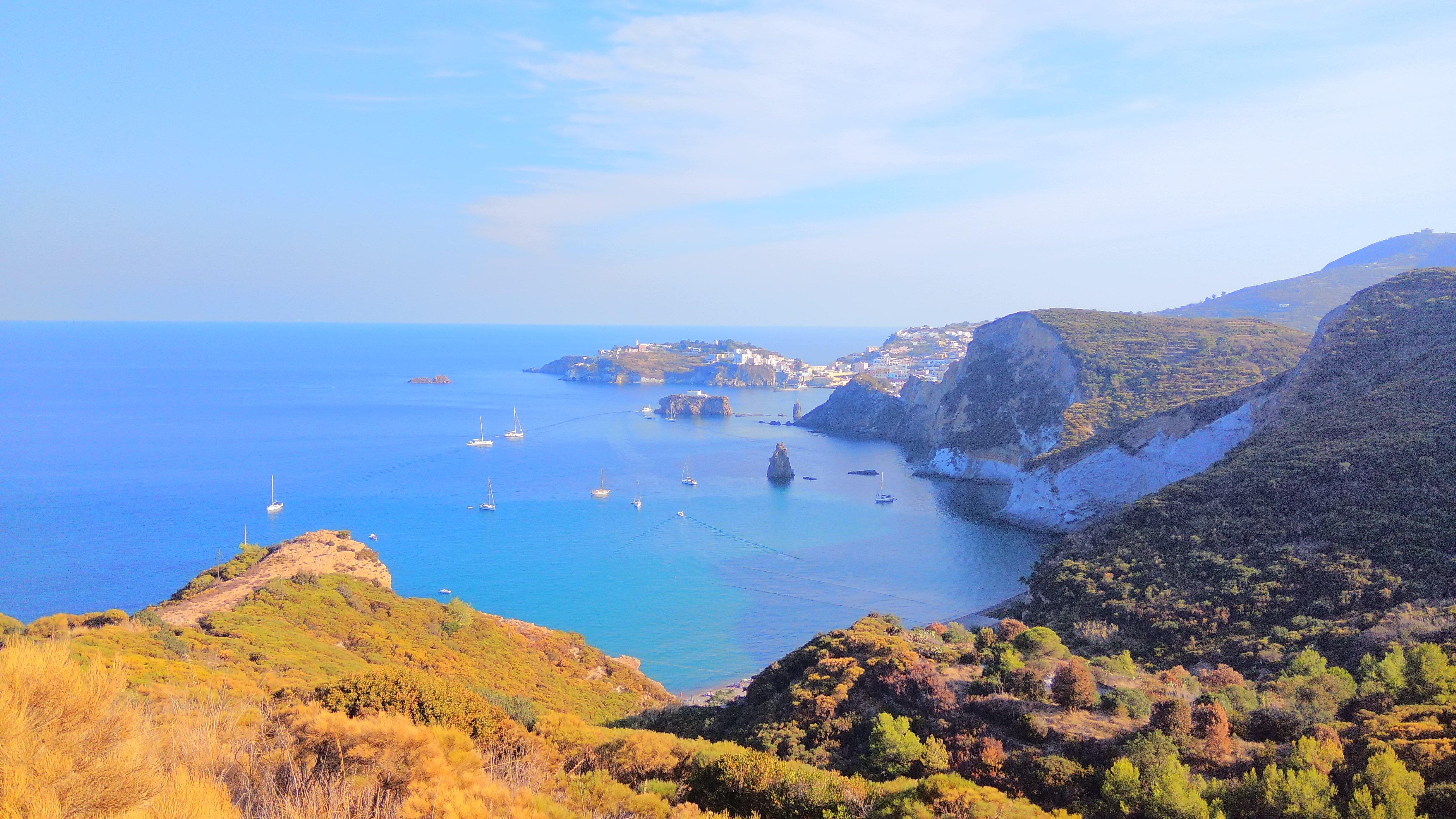 Die Küste auf Ponza